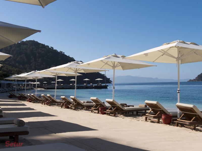 D-resort beach
