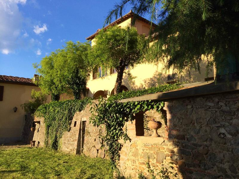 VILLA VERDE - SWIMMING POOL, holiday rental in Cicogna
