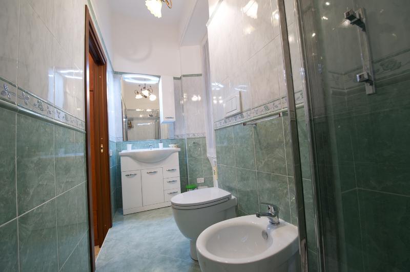 bathroom inside the bedroom 1