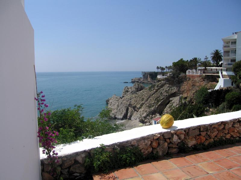 Villa 2. CarabeoVillas, holiday rental in Nerja