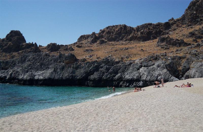 Nächster Strand Schinaria 2 km entfernt gibt es viele andere schöne Strände rund um