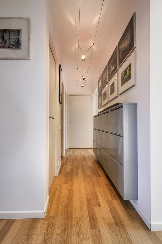 Tastefully decorated hallway
