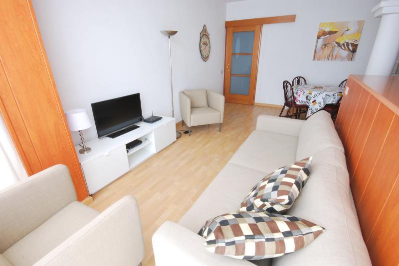 2 recensioni e 17 foto per Comfy apartment right next Sagrada ...