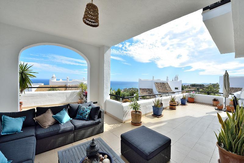 Seaviews de la terrasse en face de la salle de séjour