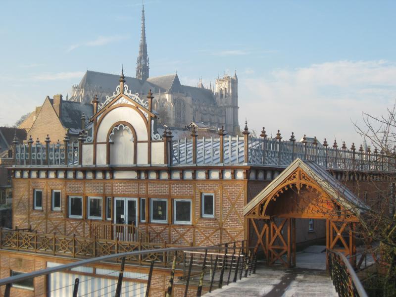 La cathédrale Notre Dame à 500m