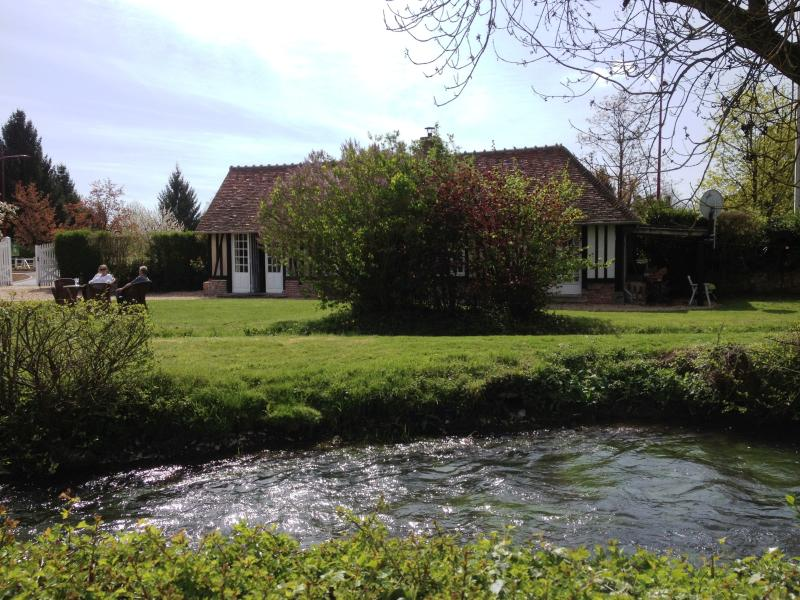 self catering riverside cottage
