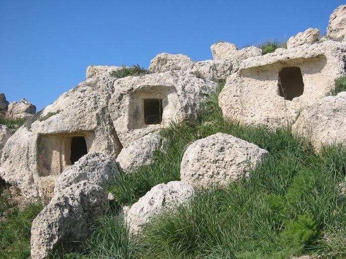 Pre-Hellenic ruines