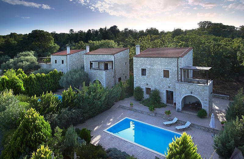 Vederi Estate (villa Alkioni), holiday rental in Kato Valsamonero