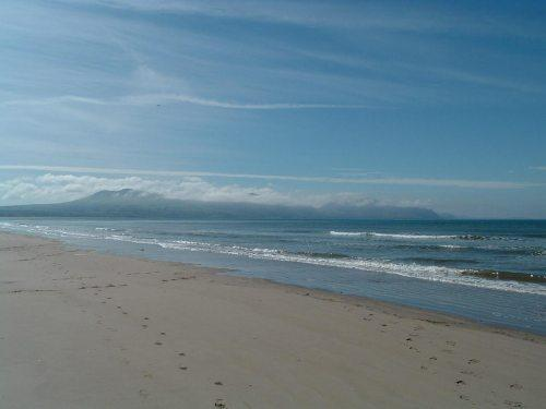 Two minutes walk from the award winning blue flag beach of Dinas Dinlle.