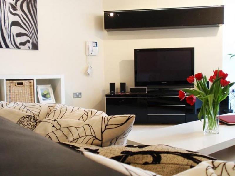 Dining Room, Washing Utilities, TV, DVD Player, Free WiFi, Balcony