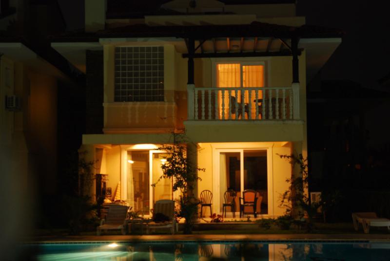 Villa Annirozi at night
