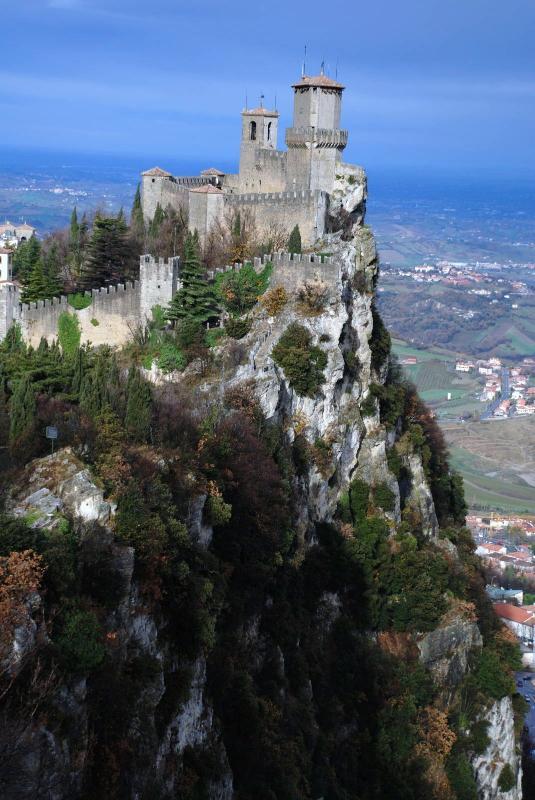 San Marino 64km