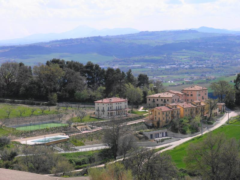 Casa Serafini from Pineta