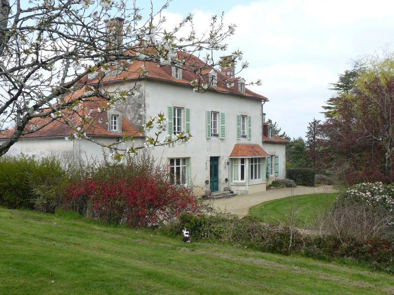 Saugé, vacation rental in Rouille