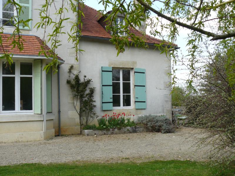 Side view of gîte