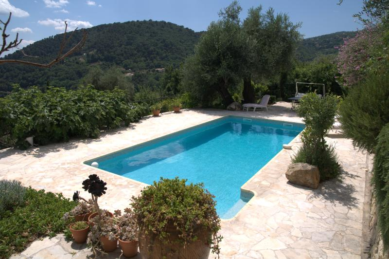 Incredible French Riviera holiday villa with private pool and magnificent sea view, location de vacances à Grasse