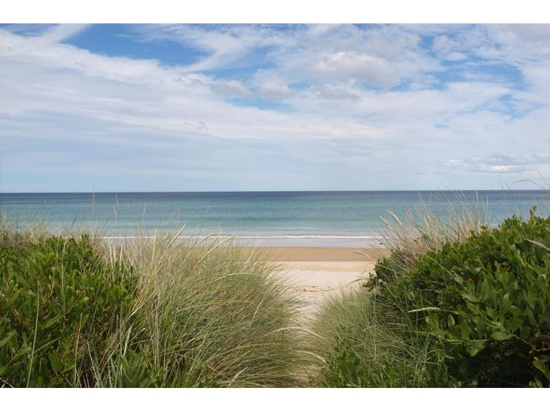 Step onto pristine Beaumaris Beach