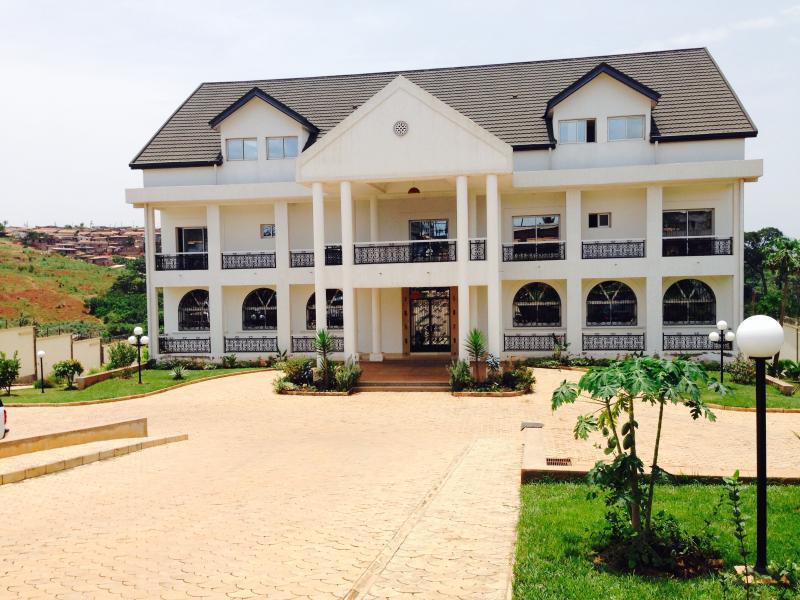 VILLA MARCO 1, alquiler de vacaciones en Yaounde