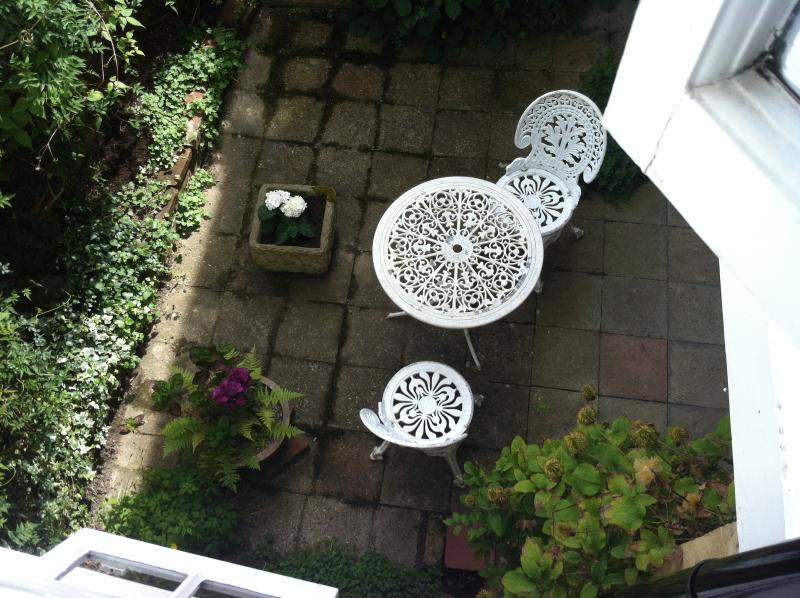 Courtyard Garden with cover - for all weather
