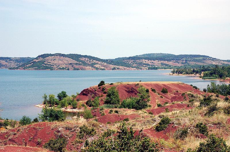 Lac du Salagou (25 kms)
