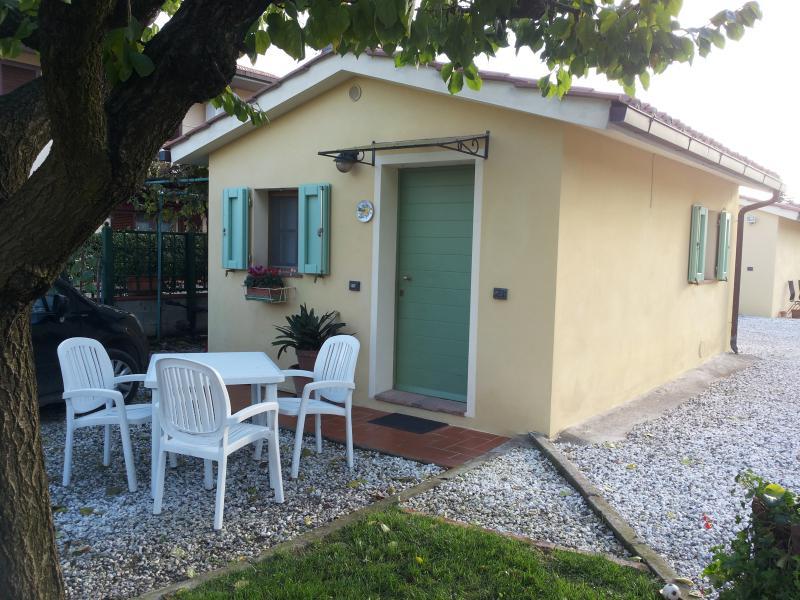 Clean Cosy Cottage free wi-fi, casa vacanza a Bientina