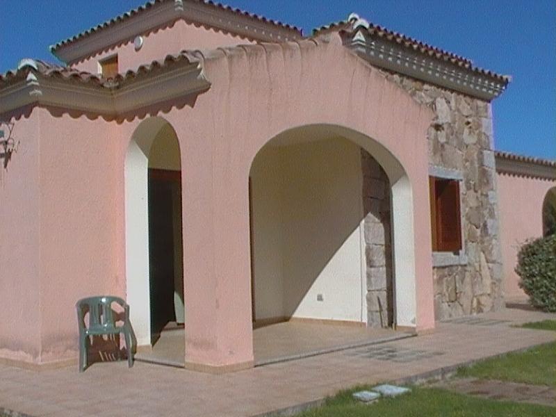 affitto appartamento a San Teodoro con giardino, holiday rental in San Teodoro