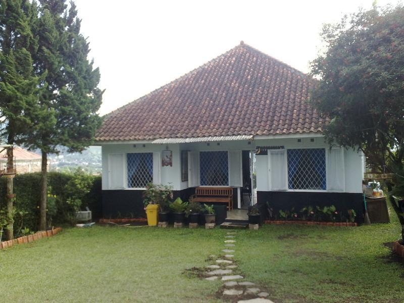 villa lembang maribaya - vintage architectural