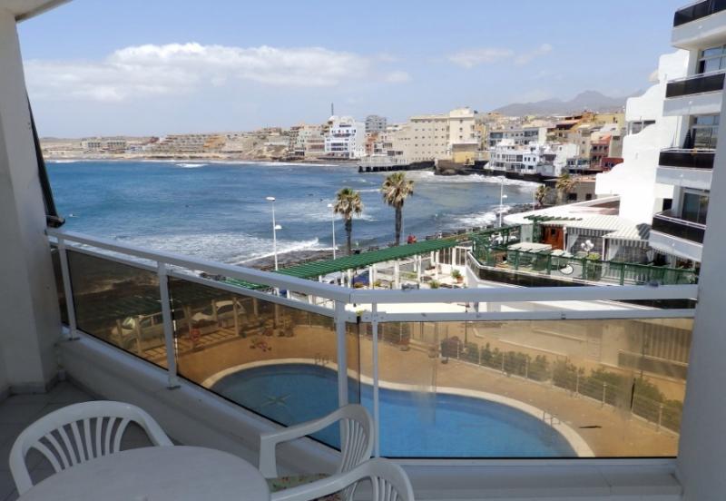 Apart. con wifi, piscina y vistas al mar el Medano, holiday rental in El Medano