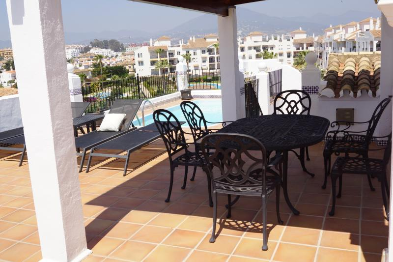 Dining area on the roof terrace