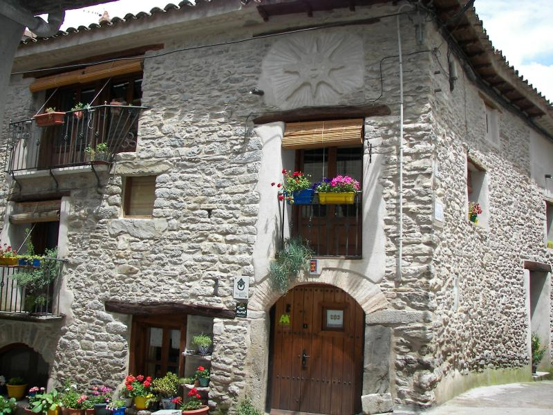Antigua Casa Catones, holiday rental in Peralta de la Sal