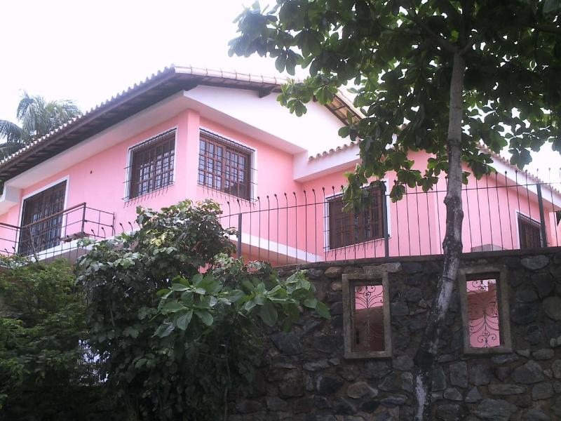 House (room with ensuite)