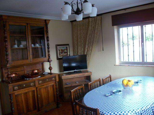 Casa Rural Costanilla, holiday rental in Pinedas