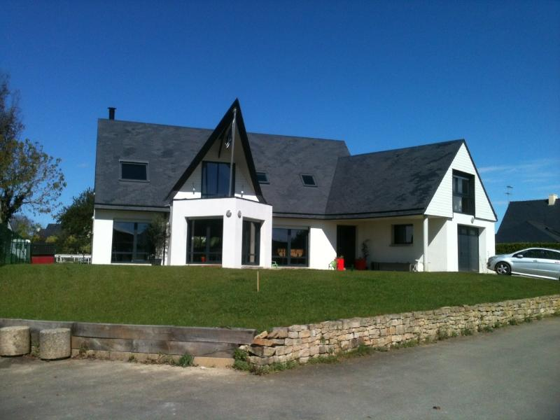 Holiday Home 200m2 50m from beach, holiday rental in Finistere