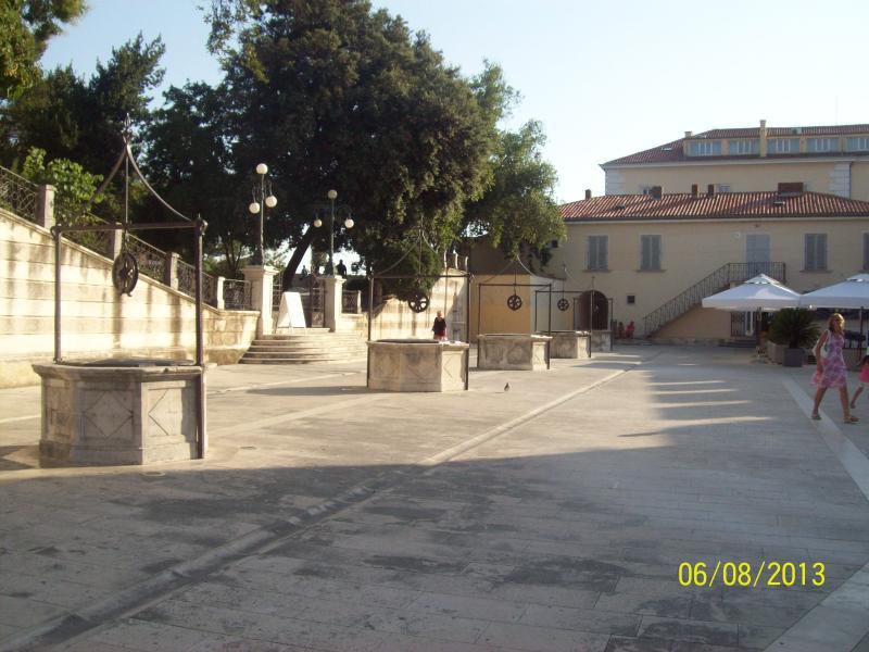 Zadar, Five Wells Square