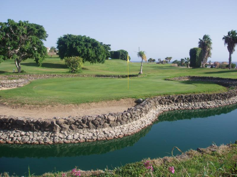 golf course 3 sets of clubs provided