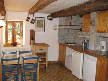 Well equipped kitchen with breakfast table, gas hob, electric oven, dishwasher, fridge, freezer etc.