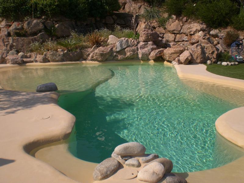 Rez de Villa  :  La maison d Ambre, vacation rental in Ajaccio