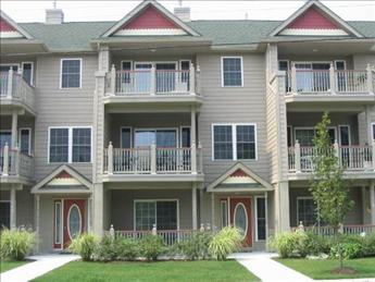 Large Condo with Pool 92561, holiday rental in Cape May