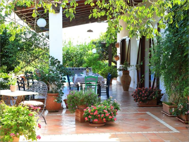 VILLA ZAHARA: Country holiday apartment, fully equipped and with garden/bbq/parking/internet