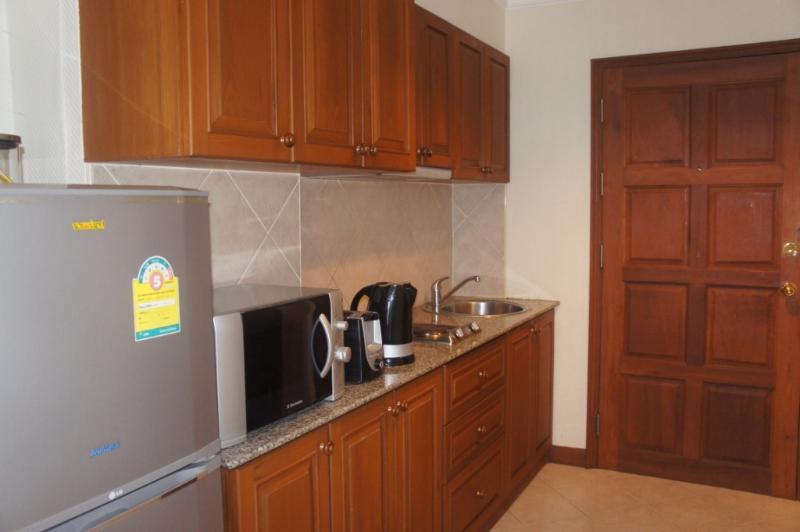Fridge Freezer & Microwave Oven