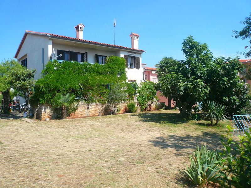 Apartment Neva Medulin 4 persons, location de vacances à Medulin