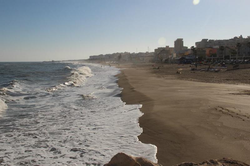 La Playa ' La Carihuela '. A 20 metros.