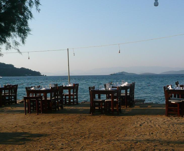 Fish restaurant in Torba Bay