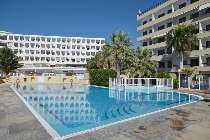 piscina climatizada durante todo el año.