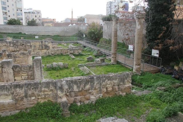 le rovine della villa di Tigellio di epoca romana (sotto casa)