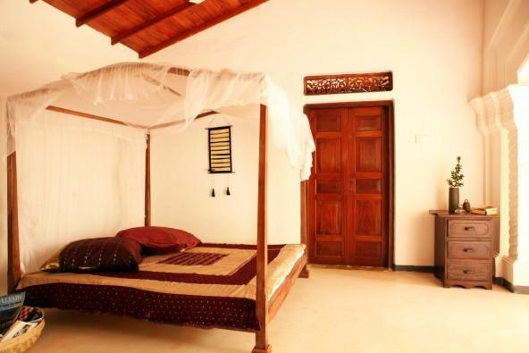Family rooms in a colonial house, holiday rental in Baddegama