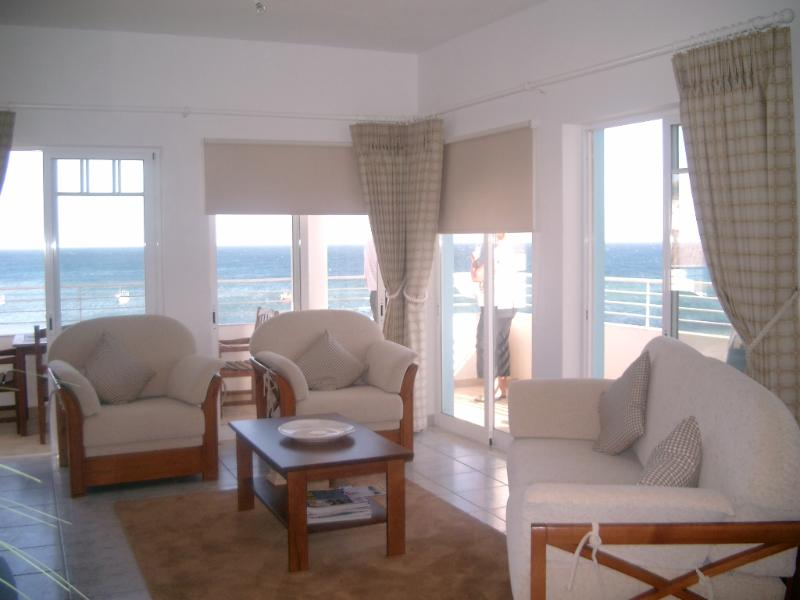 Lounge 2 bedroomed