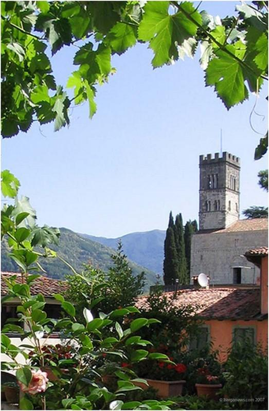 Vista do Duomo do jardim