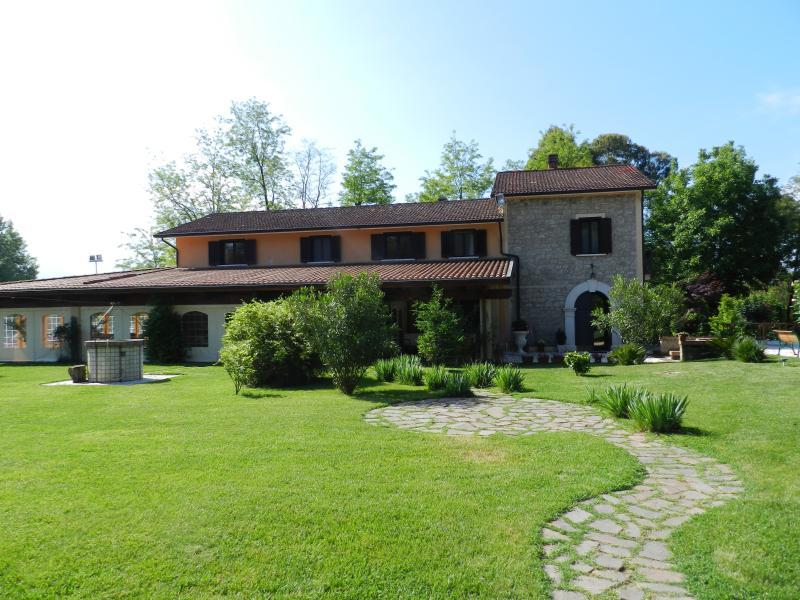 Nibbio Reale Villa (Hotel) con piscina, tra Napoli e Roma, holiday rental in Marzano Appio