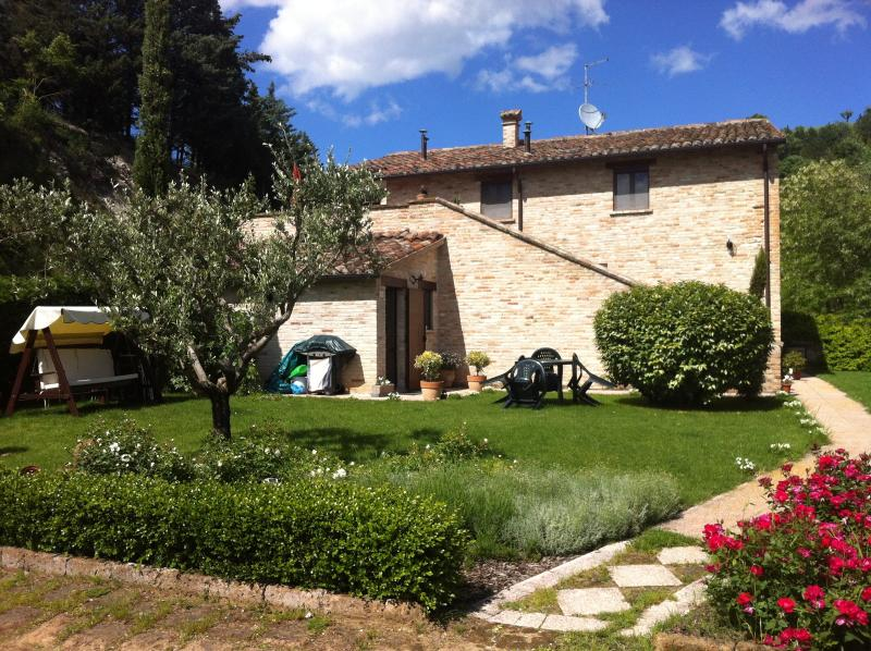 Cà GioviAle, holiday rental in Urbino